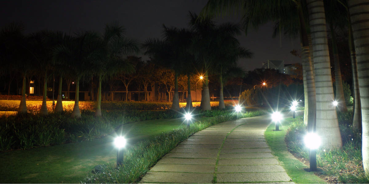 Best Rated Solar Powered Pathway Lights 2019 Top 9 Reviews